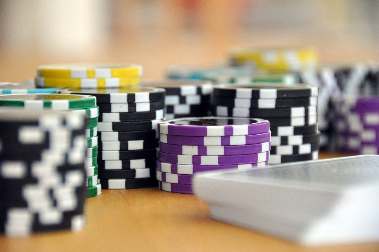 איך ללמוד לשחק פוקר נכון