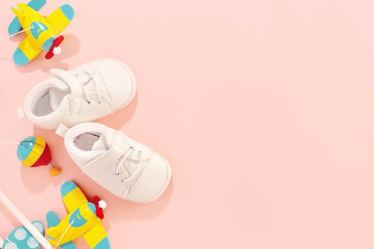 נעלי צעד ראשון - טרנדים אופנתיים לשנת 2021